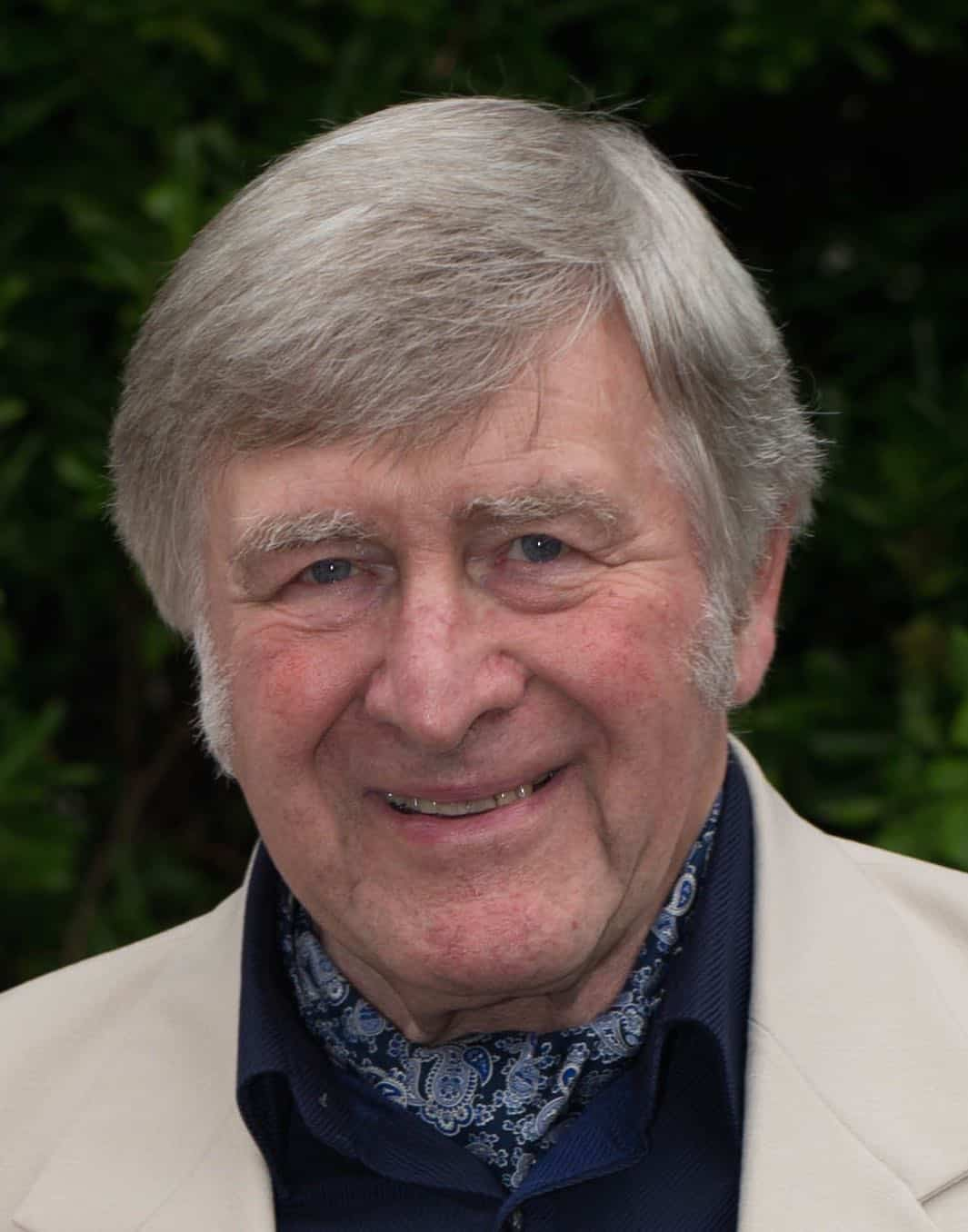 Revd Glynn Lister