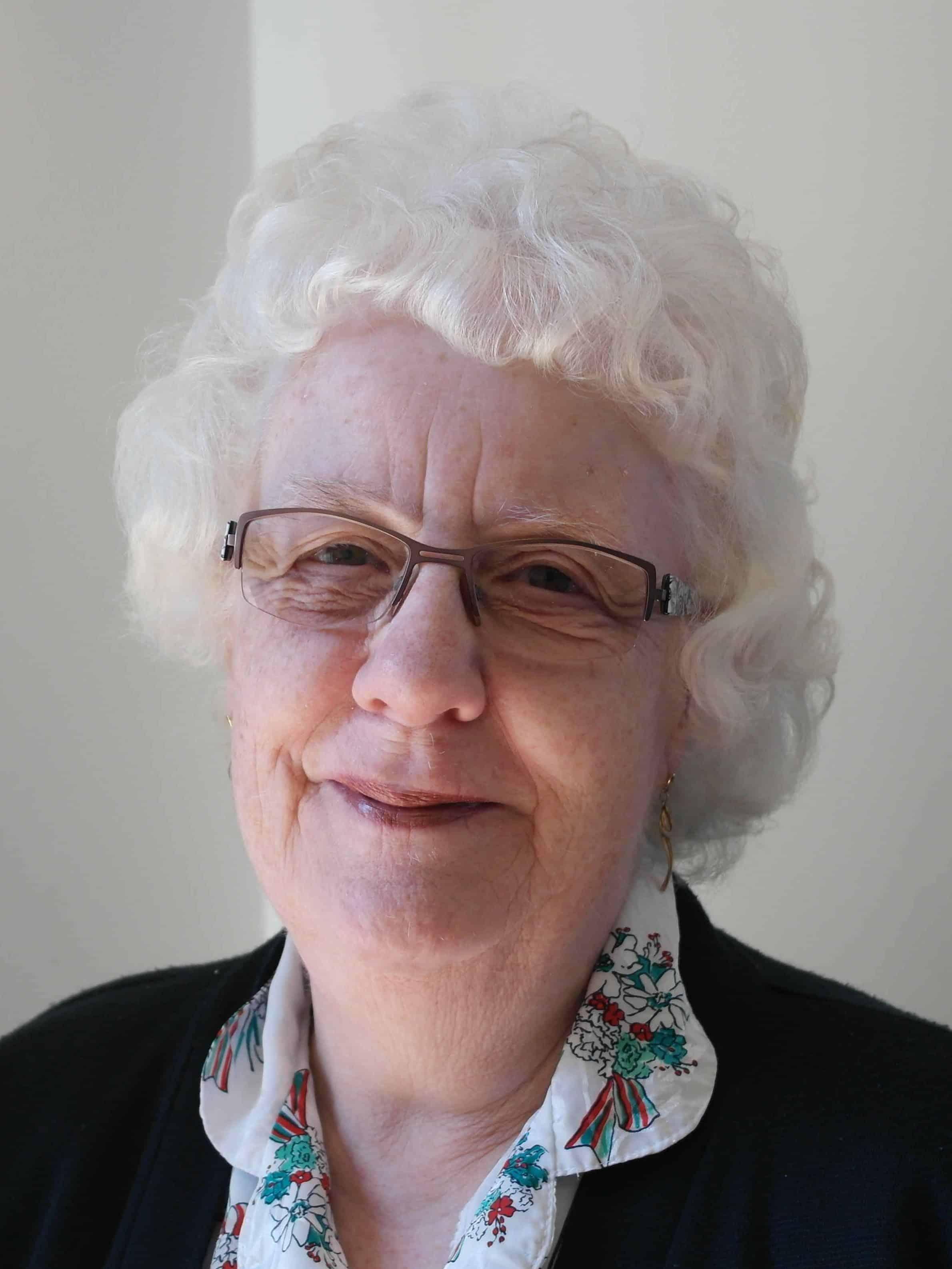Mrs Ros Peedle